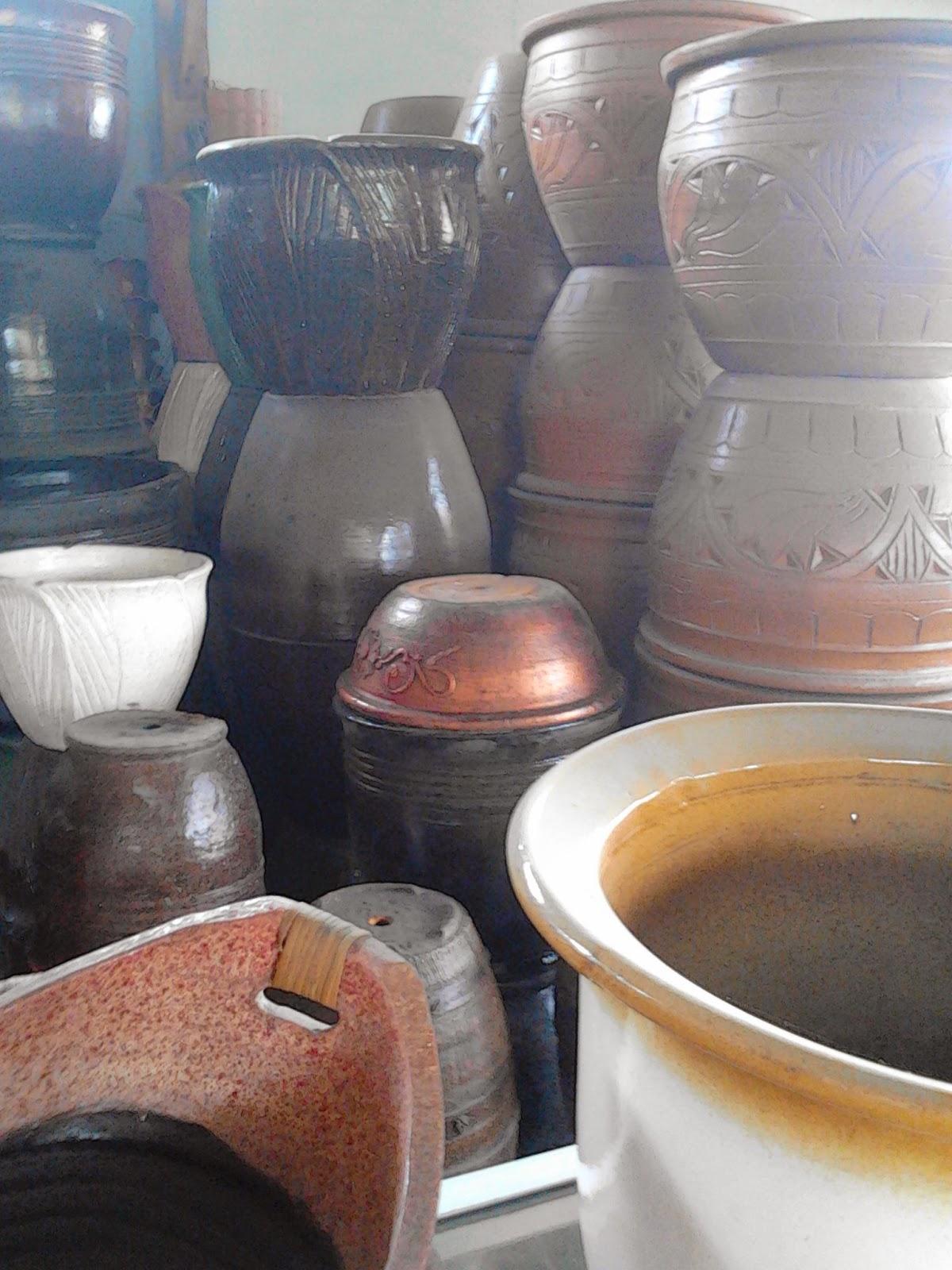 Jual pot gerabah | pot tanah | pupuk organik dan organik | suplier tanaman | jasa deain taman