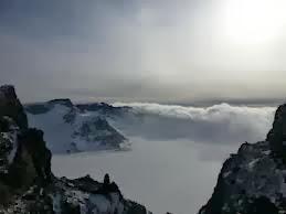 Gunung Changbaishan, Perbatasan China dan Korea Utara.