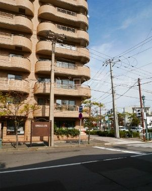 日本最古のコンクリート電柱!夫婦電柱!