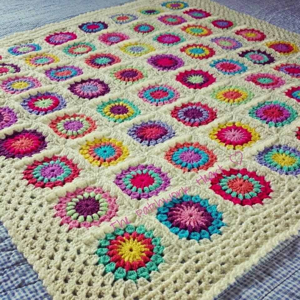 The Patchwork Heart: Starburst flower baby blanket