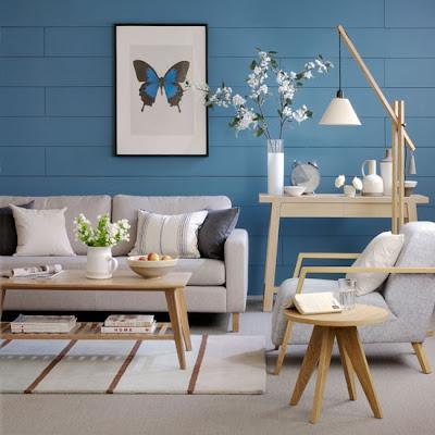 Salón pared azul