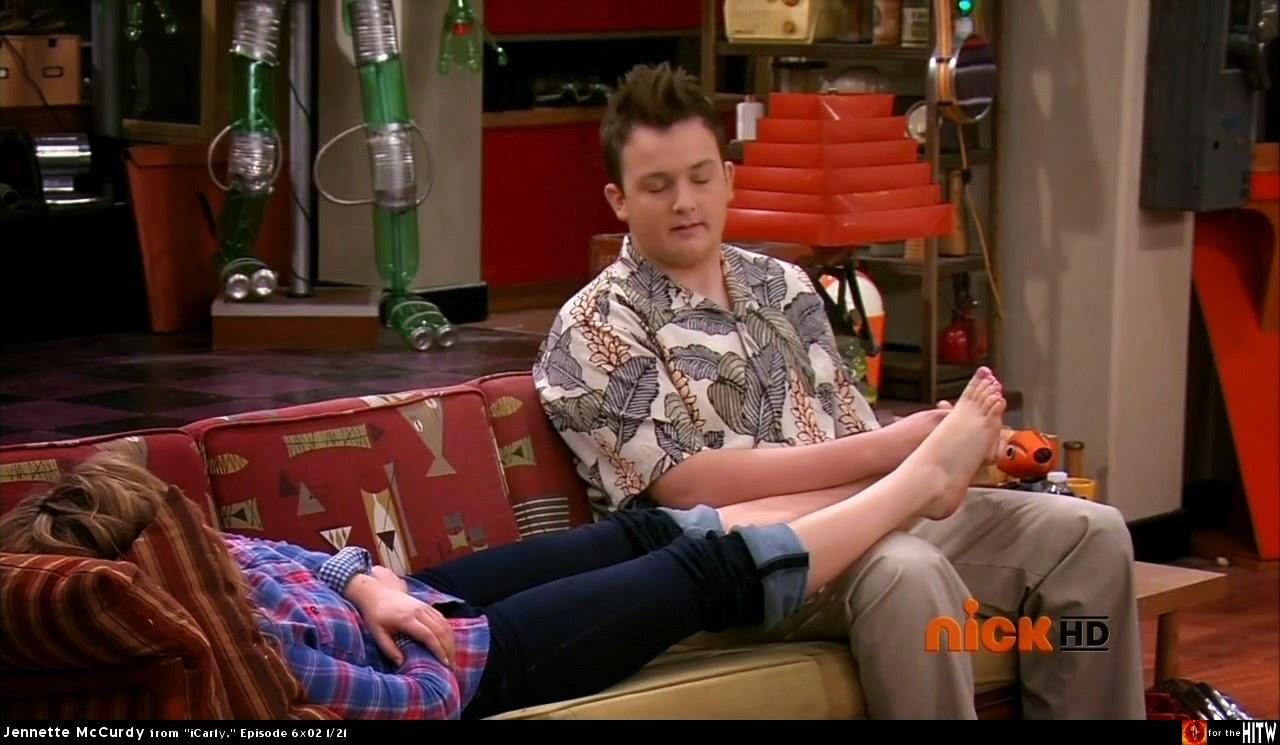 beautiful feet - Os Mais Lindos Pés das Famosas: Jennette McCurdy