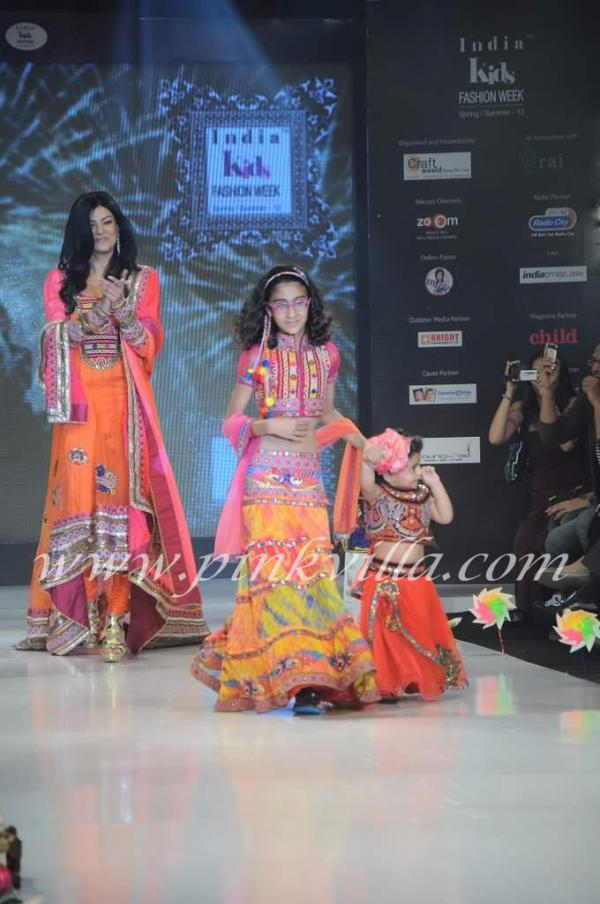 Kid Walk The Rand For Nishka Lulla Day India Kids Fashion Show