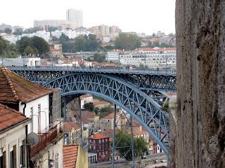 Ponte D Luis I Oporto bridge by Joao Pires