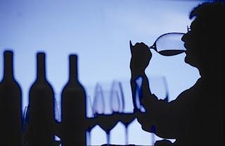 ¿Porqué el vino tinto debe servirse frío?