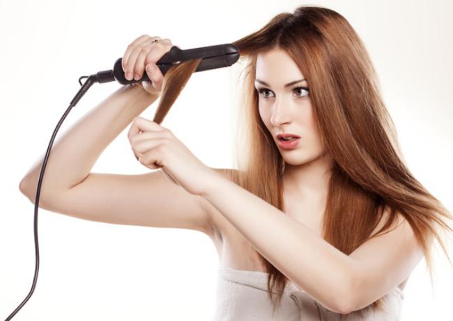 cara mencatok rambut agar lurus tahan lama