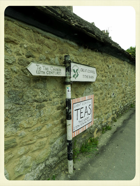 Cream Tea Queen English sign