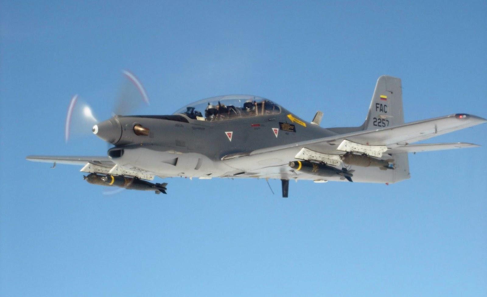Aviones AT-27M Tucano de la Fuerza Aérea Colombiana destrulleron en una misión de bombardeo, una fábrica de explosivos del séptimo frente de las Farc