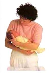 رفع طفلتك وحملها (4)