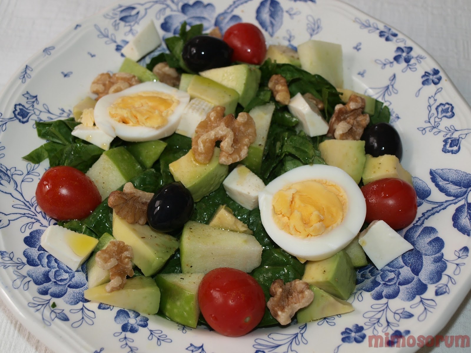 Ensalada de espinacas - Spinach Salad with Walnuts. Mimosorum
