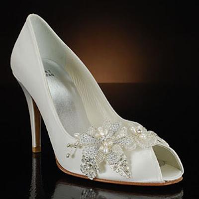 elegant bridal style cute white wedding shoes