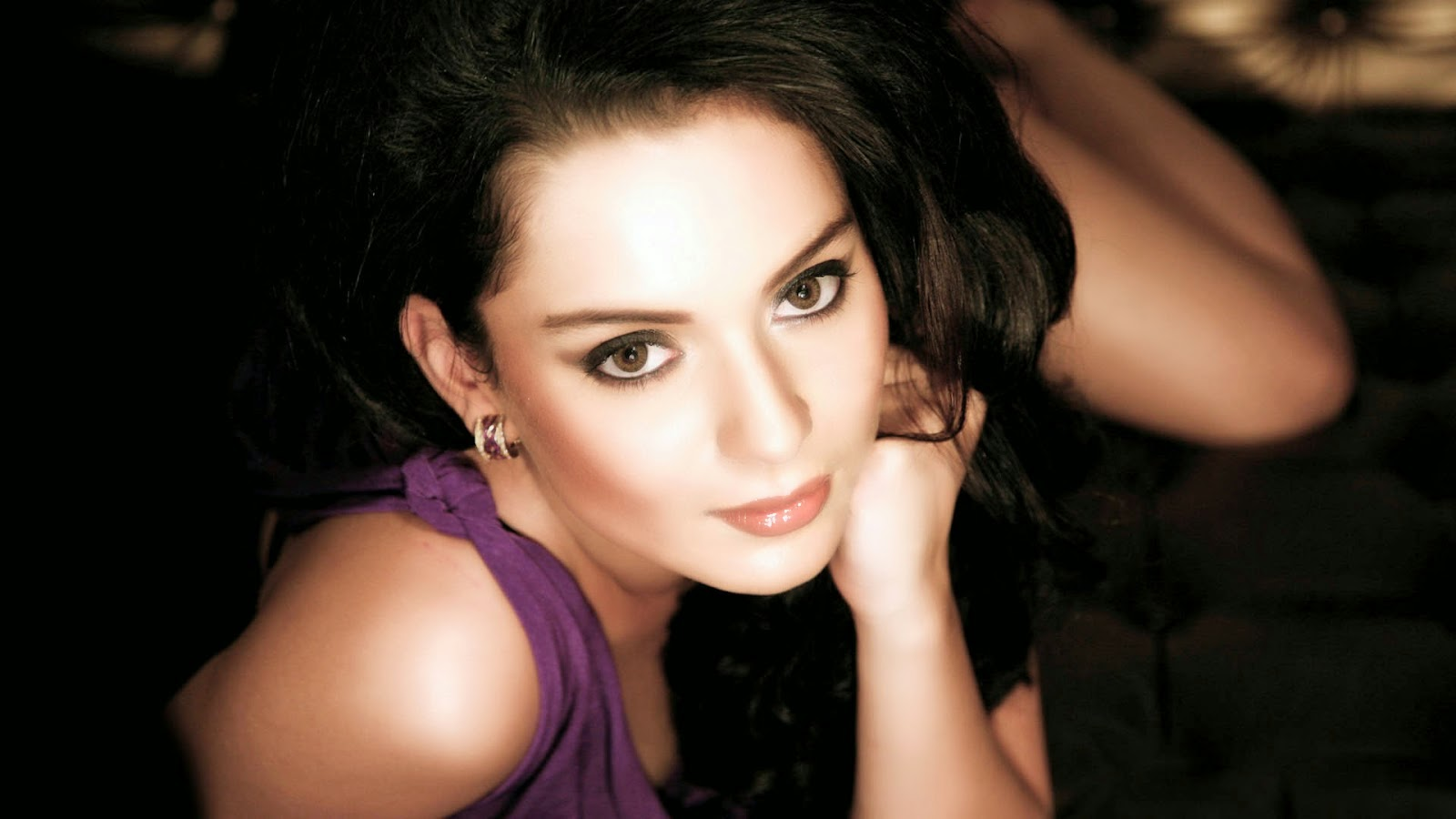 Kangana Ranaut Hot HD Wallpapers Collection Free Download