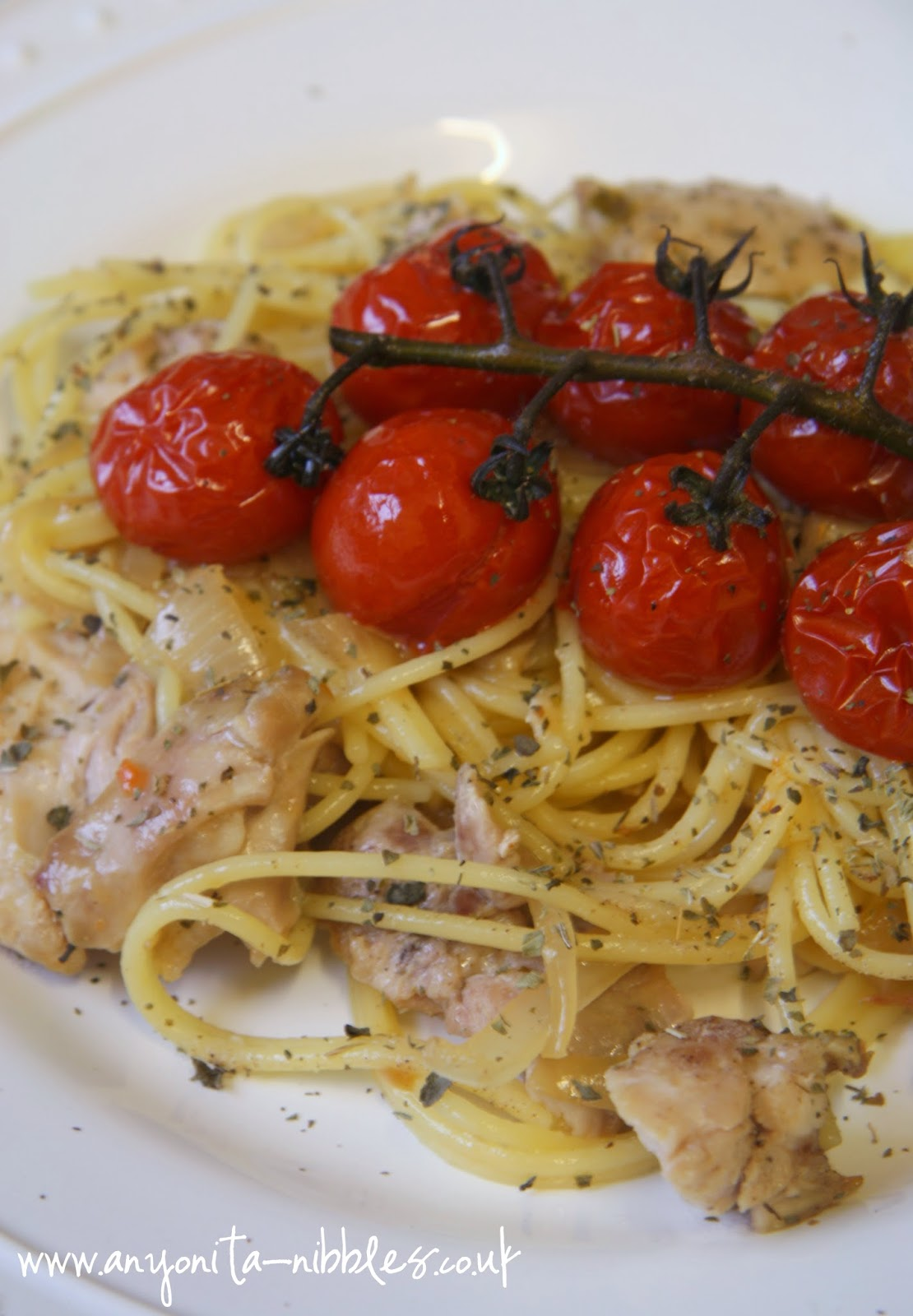 A sophisticated end of summer twist on spaghetti with Lindeman's wine from www.anyonita-nibbles.co.uk