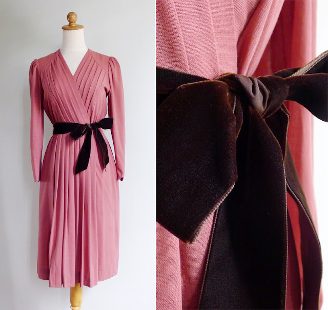 vintage jun ashida dusky pink v neck dress with velour ribbon