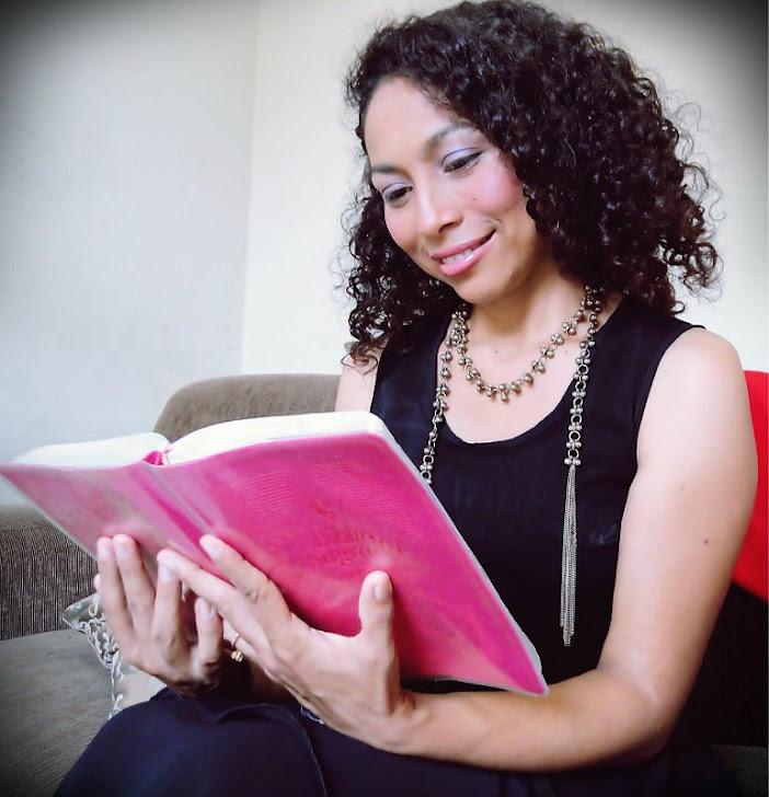Aqui blog direto da cantora leila Cristina