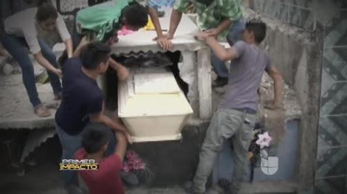 Cô gái bị chôn khi đang còn sống
