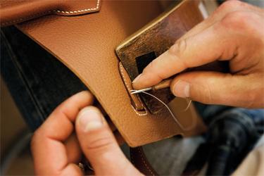 """0b52f865033 Uma """"Birkin Croco"""" é quase tão rara quanto uma joia de rubi. Para estipular  o valor de cada modelo de bolsa são ..."""