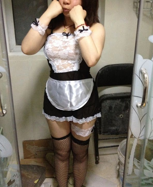 Cute Chinese wife's home slutty costumes photos leaked (25pix)