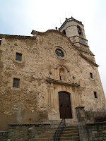 Façana principal de l'església de Sant Bartomeu del Grau
