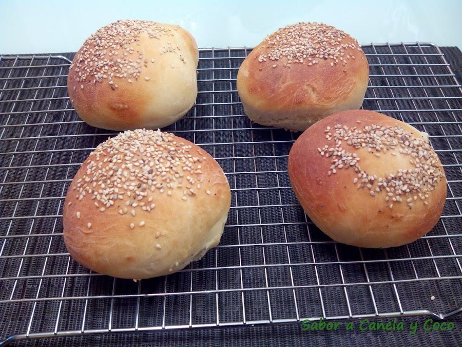 Haz tu propio pan de hambuguesa con la receta de este enlace. ¡¡Te van a saber mucho mejor!!