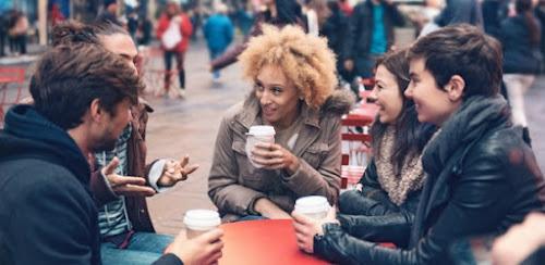 Cinco estratégias para perder o medo de falar outra língua em viagens