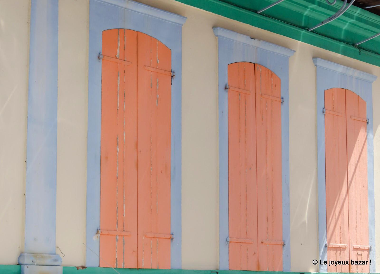 Guadeloupe - Pointe à Pitre - façade colorée