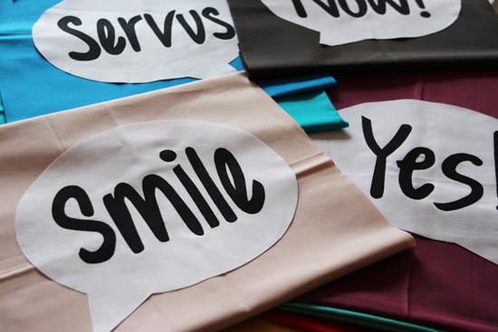 binedoro Blog ⎟ Aus dem Nähzimmer ⎟ Kissen mit Sprechblase, smile, yes, now, servus