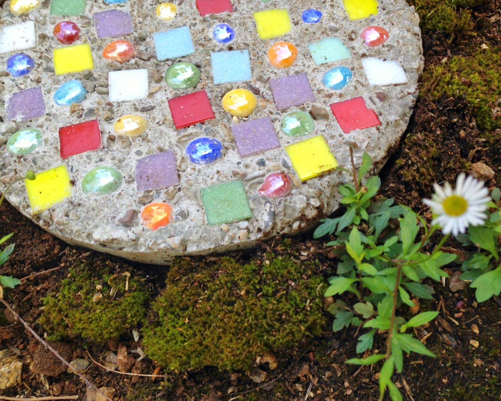 we bloom here tutorial garden stepping stones