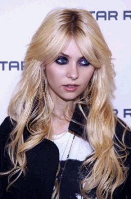 Taylor momsen the queen of gossip and punk hairstyle celebrities taylor momsen the queen of gossip and punk hairstyle pmusecretfo Choice Image