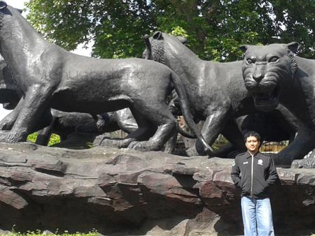 Patung Singa di Alun-alun Ponorogo