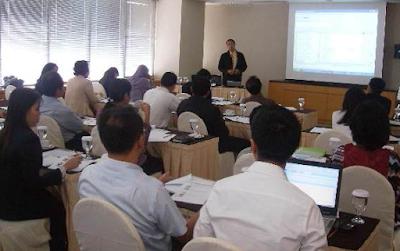 Seminar bisnis sebagai sarana pembelajar bisnis kecil