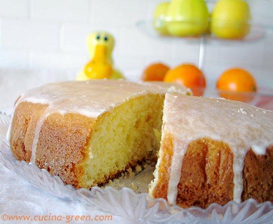 la torta morbida al limone per la colazione