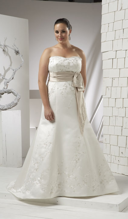 Best wedding ideas searching for an affordable plus size for Discount plus size wedding dresses