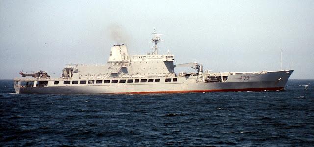 SAS Drakensberg (A301)