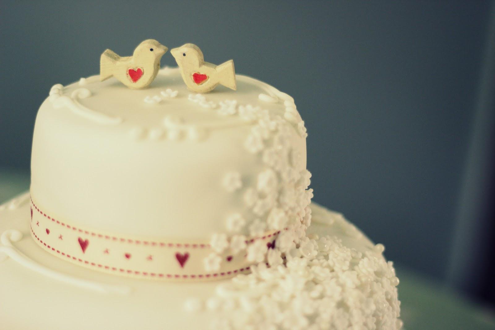 LOVE BIRDS WEDDING CAKE | ARINA TOTTENHAM-SMITH