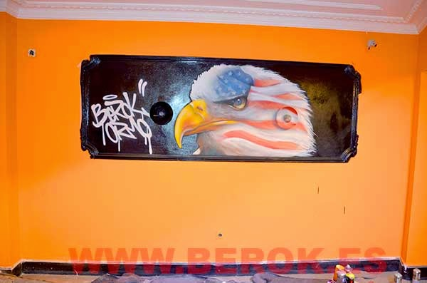 Graffiti águila americana