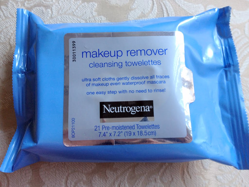 7% Solution Neutrogena Makeup Remover Cleansing Towelettes Review