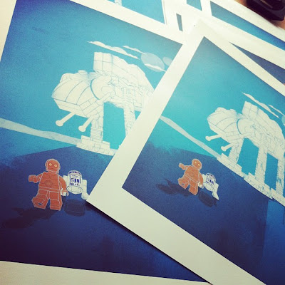 "New York Comic-Con 2012 Exclusive ""Run R2"" Star Wars LEGO Prints by UME Toys"