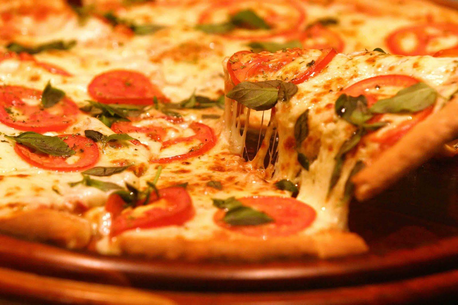 Pizza_margherita_3%255b1%255d