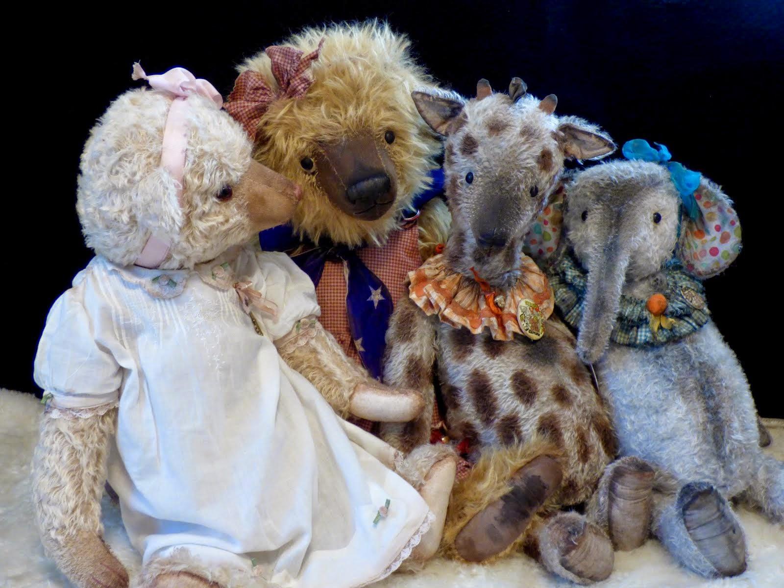 Roseanna, Harriet, Gerald & Elaine