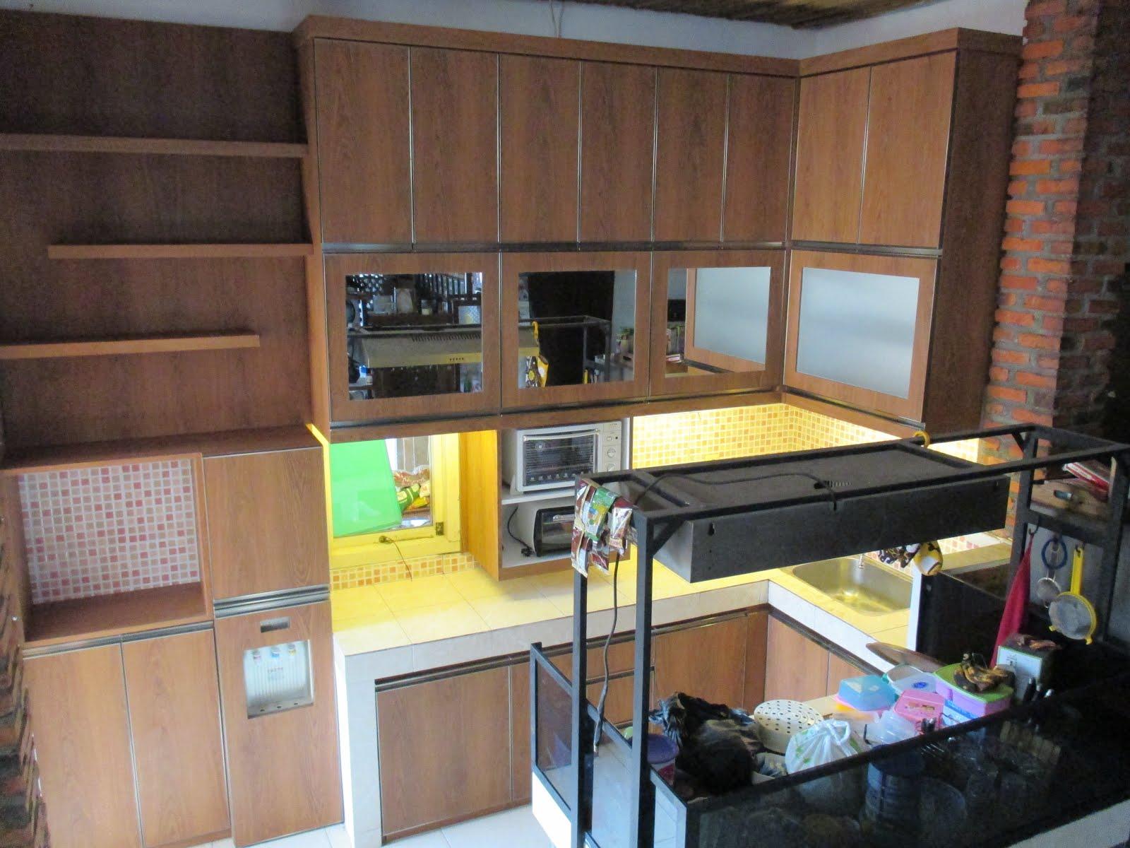 Kitchen set Mas M, Agus aga. Jl Sukun Ciputat
