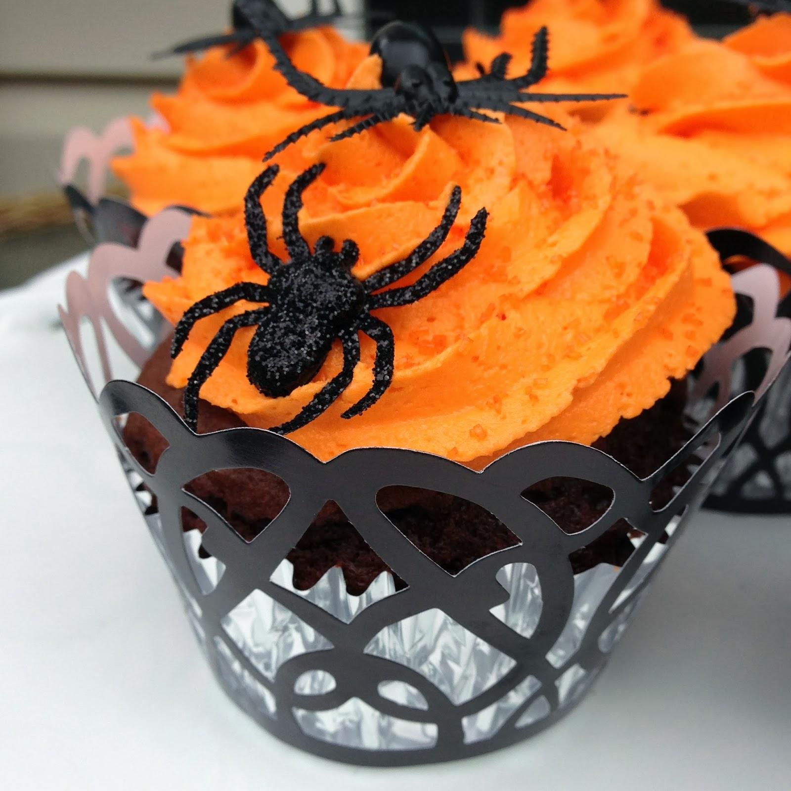 Just Jenny Lynne: Creepy Crawly Halloween Cupcakes