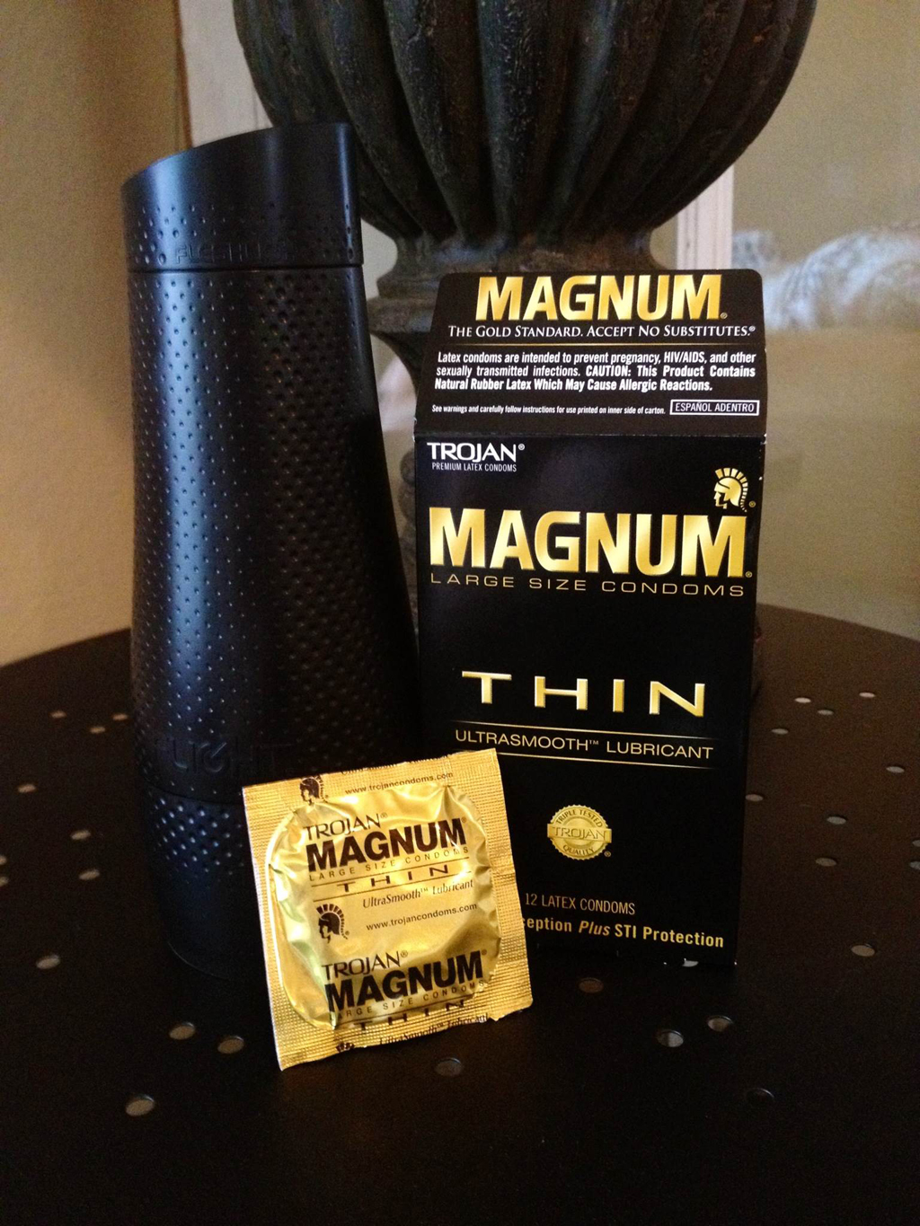 Difference between regular and magnum condoms