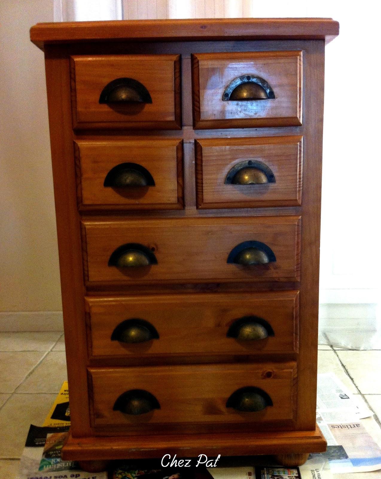 repeindre un meuble en bois pas cher. Black Bedroom Furniture Sets. Home Design Ideas