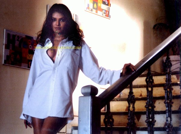 in bikini bolly actress photo gallery sherlyn chopra spicy photos ...
