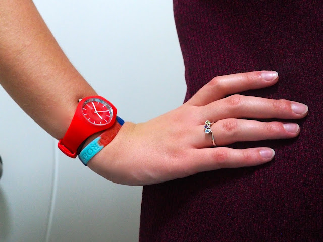 Off to Work | outfit jewellery details of red rubber watch and colourful silver doodle ring