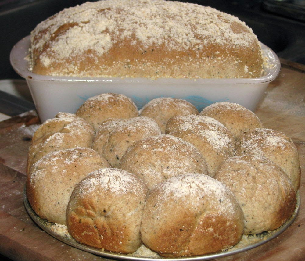 Wheat Herb Dinner Rolls