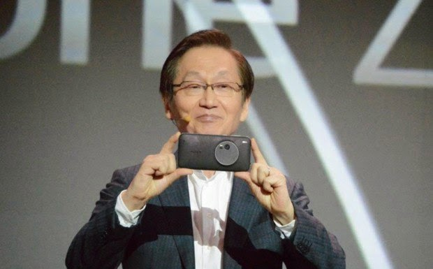 The new Revolutionary ASUS Zenfone Zoom Review with Specs at CES 2015