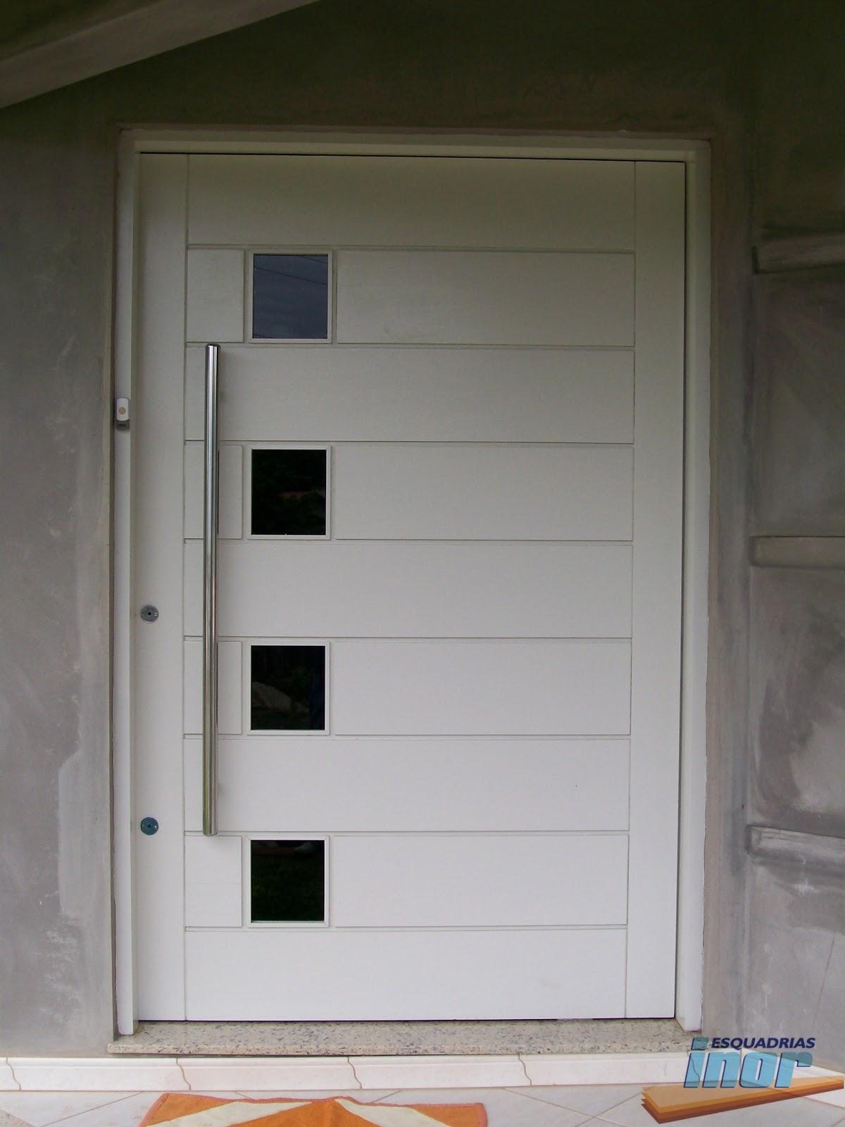 #9A5C31  na vertical e lambris na horizontal com espaço para vidro pivotante 642 Janelas Pivotantes De Vidro Medidas