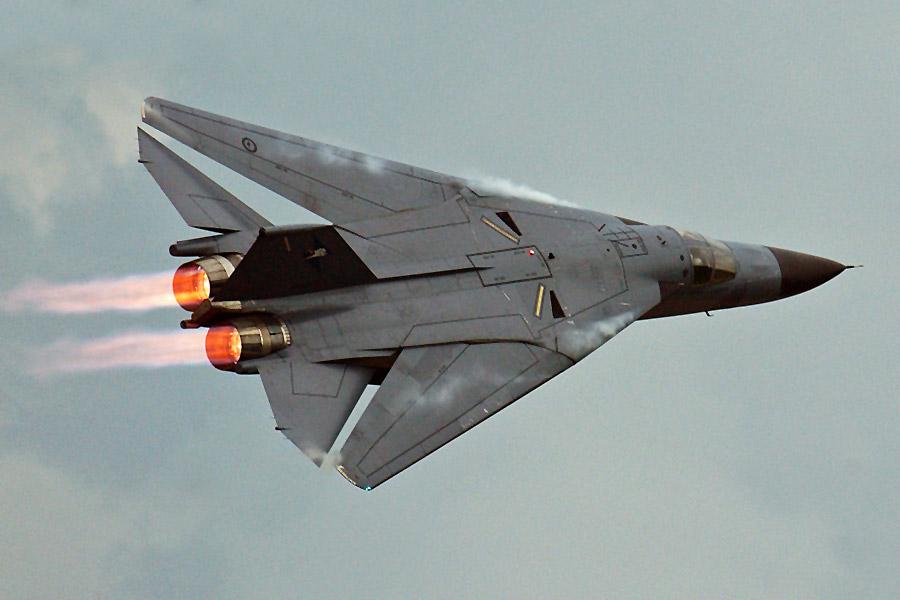 HI-TECH Automotive: F-111 Raaf